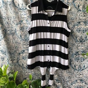 Striped sleeveless with collar